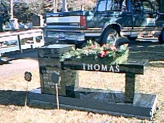 monument,headstone,gravestone,tombstone,memorial